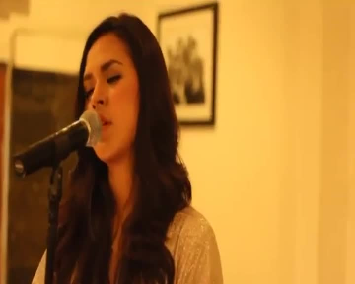 Raisa-Terjebak-Nostalgia-Live-Version