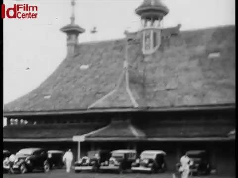 Pasar-Gambir-di-Batavia-September-1934