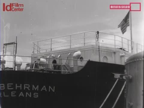 Bongkar-Muat-Dari-Kapal-Martin-Behrman-Di-Priok