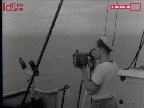 Kapal-Penyapu-Ranjau-HrMs-Abraham-Crijnssen-Di-Hindia-Belanda