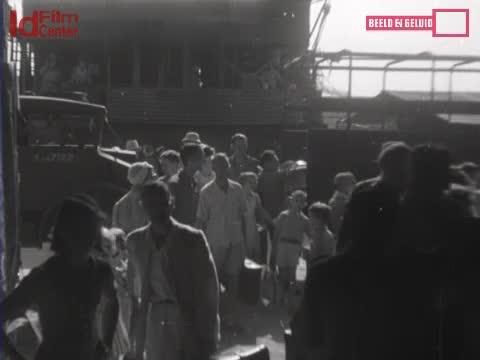 Evakuasi-Di-Pantai-Tandjong-Priok