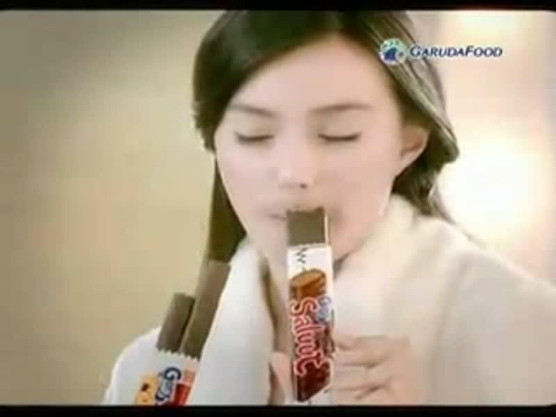 Gery-Coklat-Presenter