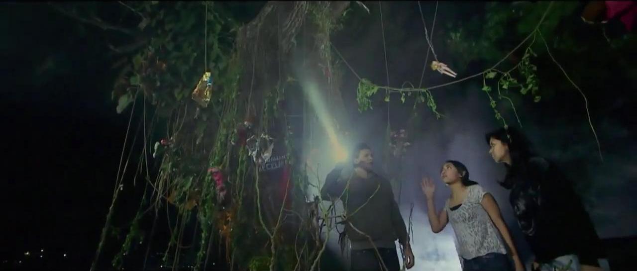 Hantu Pohon Boneka 10