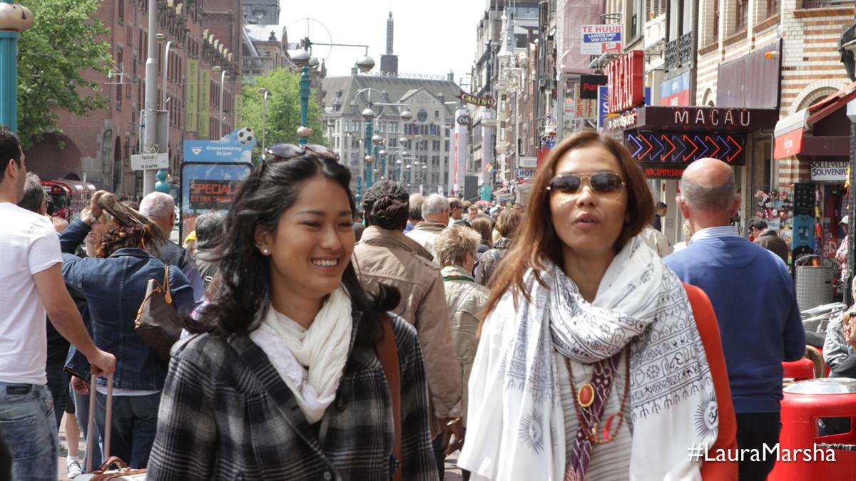 Laura & Marsha 16