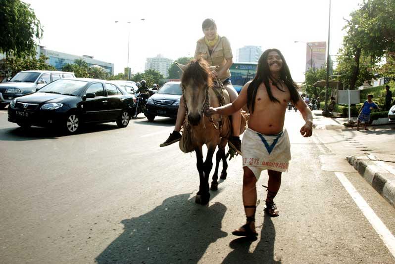 Tarzan ke Kota 4