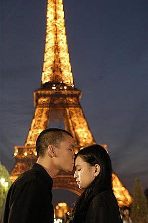 Eiffel Im in Love 5