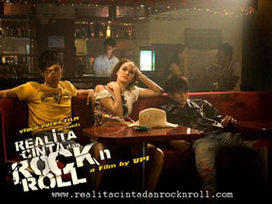 Realita Cinta dan Rockn Roll 6