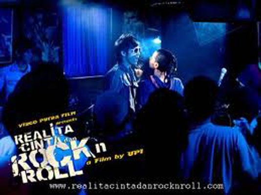 Realita Cinta dan Rockn Roll 7