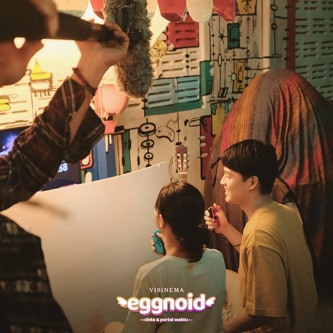 Eggnoid: Cinta & Portal Waktu 10