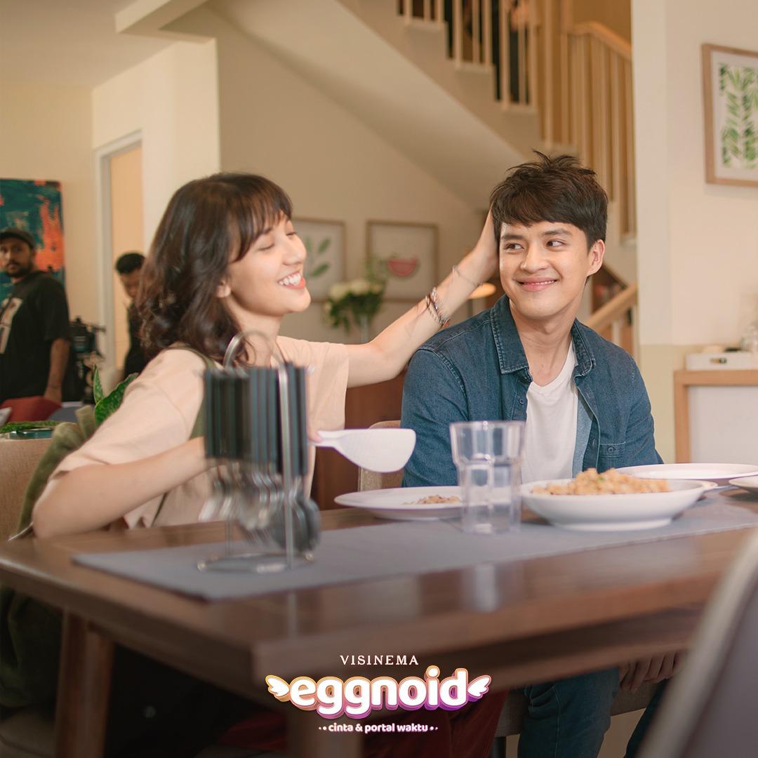 Eggnoid: Cinta & Portal Waktu 7