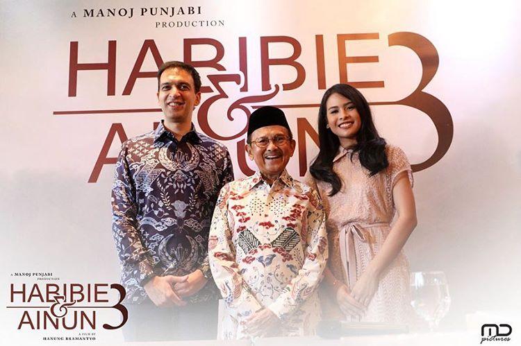 Habibie & Ainun 3 13