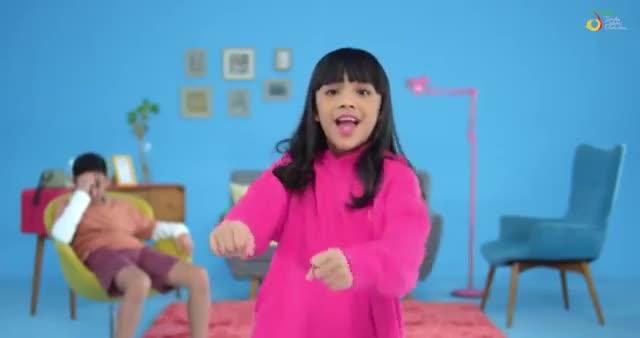 Neona-Asyik-Aja-Official-Music-Video