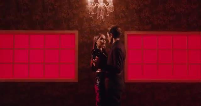 Cinta-Laura-Kiehl-Caliente-Official-Music-Video